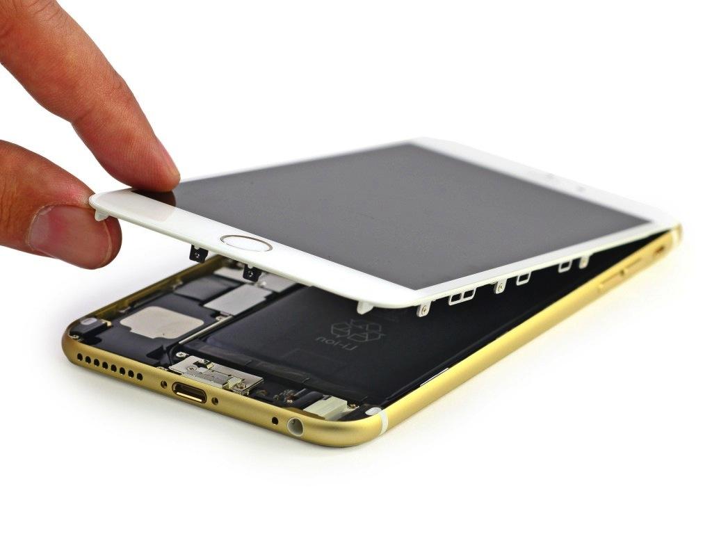Отсоединение дисплейного модуля Айфоне 6